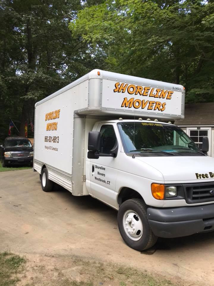Shoreline Moving Company logo